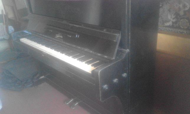 """Продам пианино """"Кубань"""", срочно, торг."""