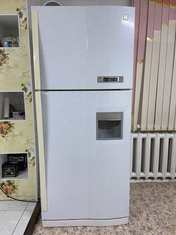 Холодильник Daewoo FR-590