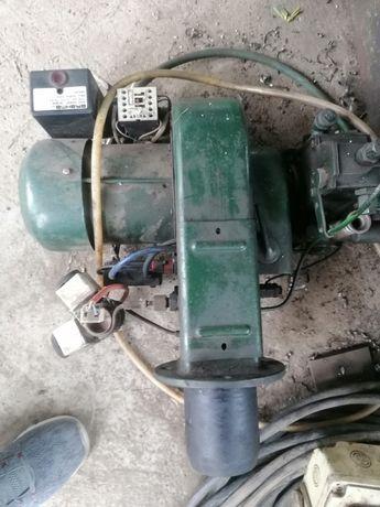 Arzător centrala pe ulei ars și motorina