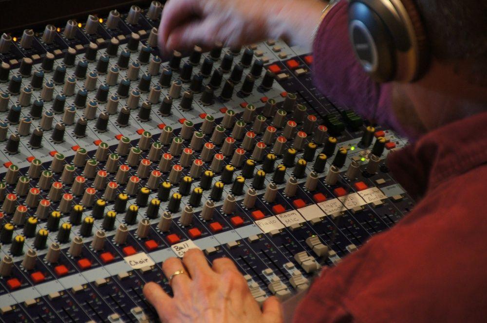 Онлайн студия запис песня монтаж видеролик Чувашинское - изображение 1
