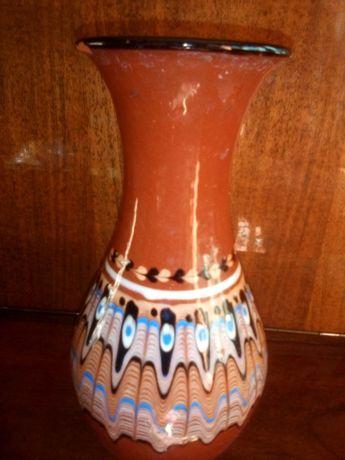 Глинена ваза
