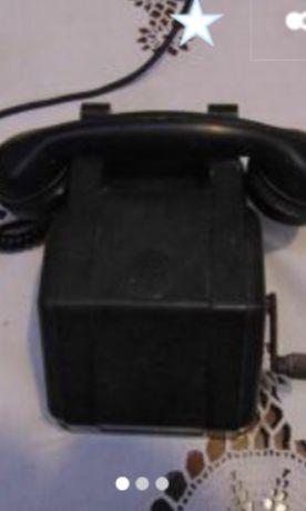 Стар бакелитов телефон