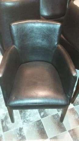 Кожени столове за кафене или бар
