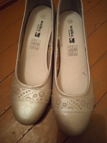 Продам туфли 40 размер