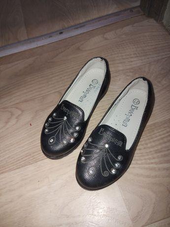 Продам туфли детские размер 27 для девочки
