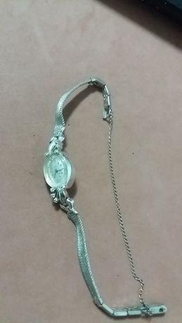 ceas aur alb 14k +8 diamante Bulova