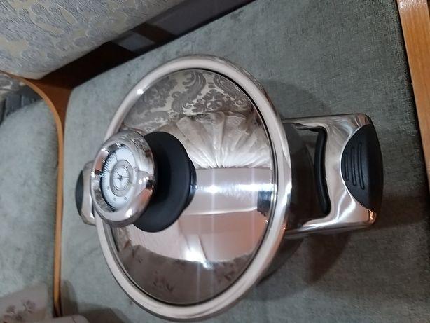 Кастрюля новая, с термокрышкой. Aura, Германия.