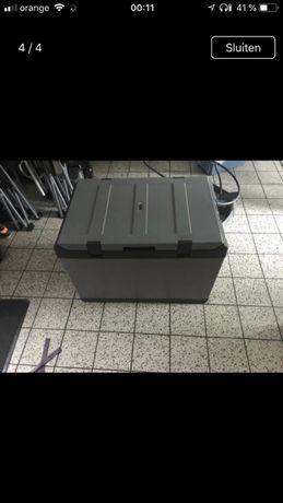 Lada frigorifica,frigider,congelator Waeco CF 110, 12-24-220v