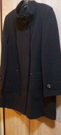 Пальто на подкладе.SizeEUR(44),RUS(50-52)