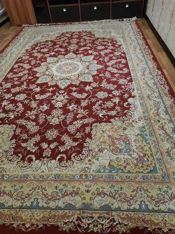 Продается ковёр шелковый 2,5 на 4