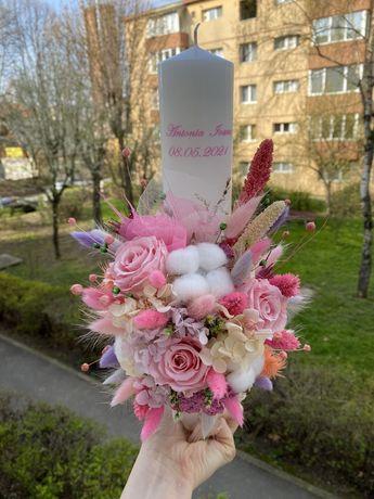 Lumanare cu trandafiri criogenati pentru botez/cununie