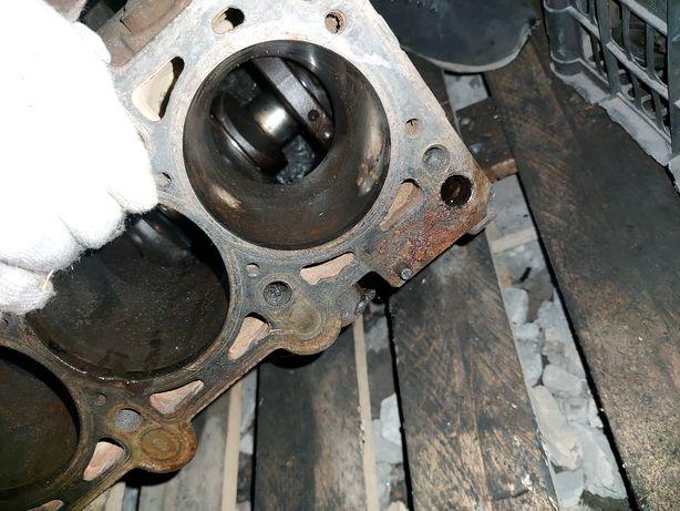 Блок двигателя с коленвалом ауди а4б5 1.6