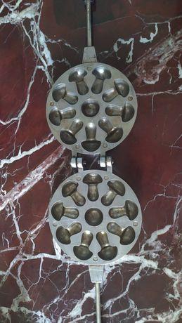 Грибочница. СССР. сковорода для грибов из теста. 1980 год. Антиквариат