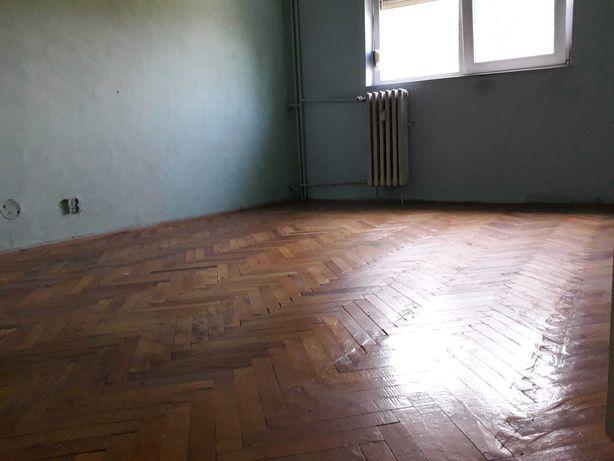Vand apartament,3 camere.decomandat,Micalaca zona Miorita