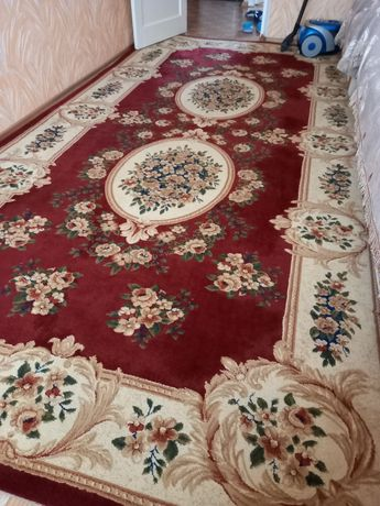 Продам ковёр 2*4