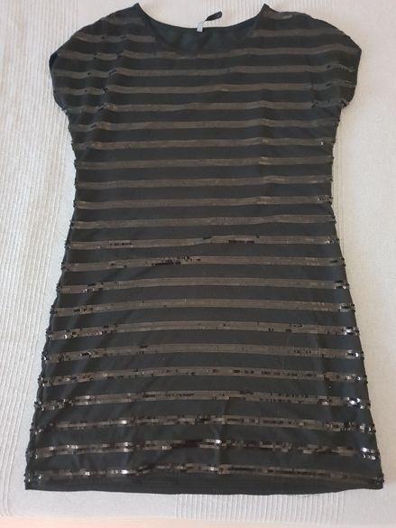 Ефектна рокля с пайети