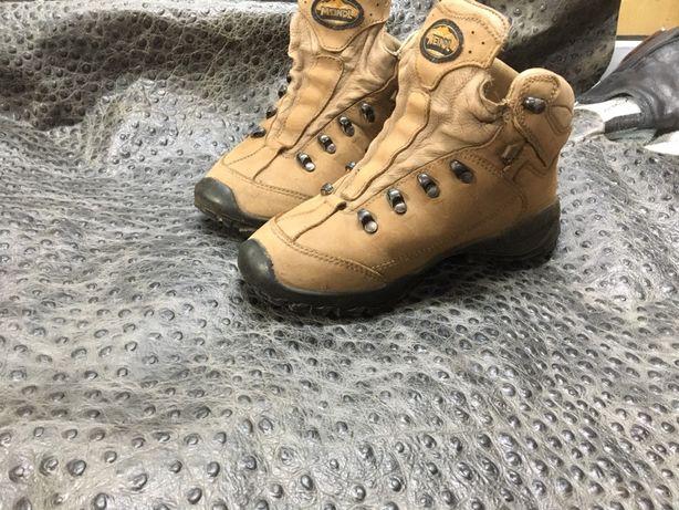 Профессиональный ремонт обуви химчистка покраска обуви.