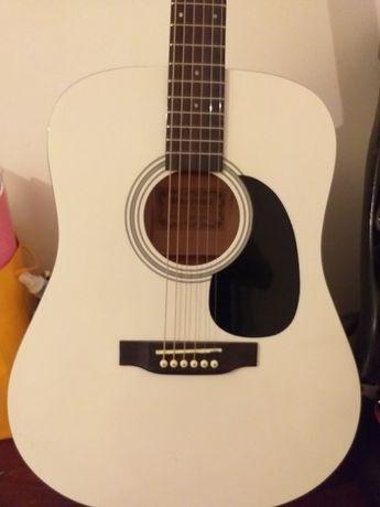 Новый гитара сатылады 30000