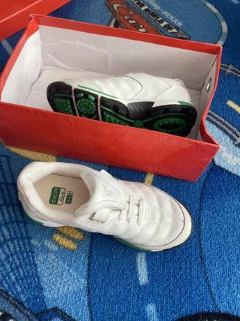 Детски спортни обувки Clarks