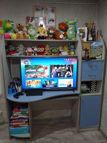 Детский компьютерной стол