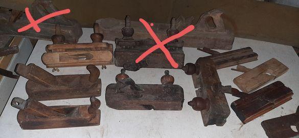 Различни видове дърводелски рендета.