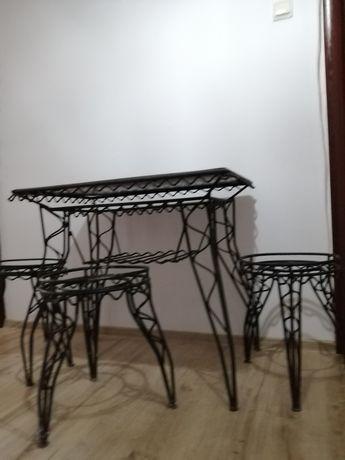 Masă și scaune fier vintaje