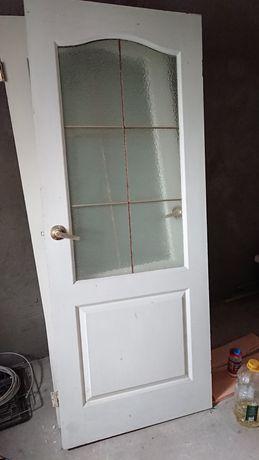 Двери б/у продам