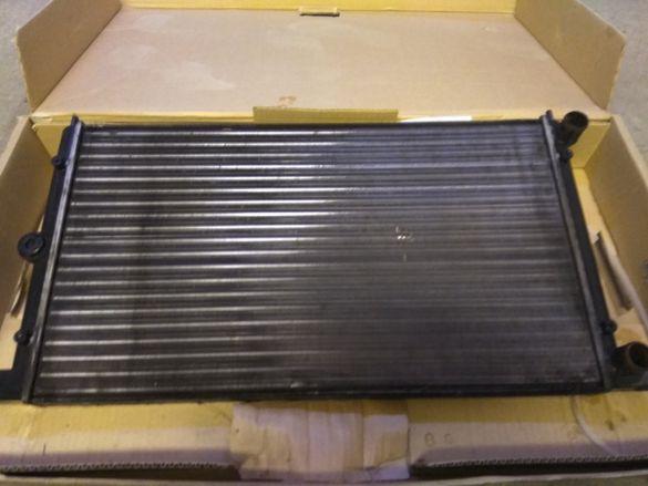 Радиатор Фолксваген Шаран 2.0 97г.