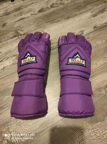 Скиорски ръкавици