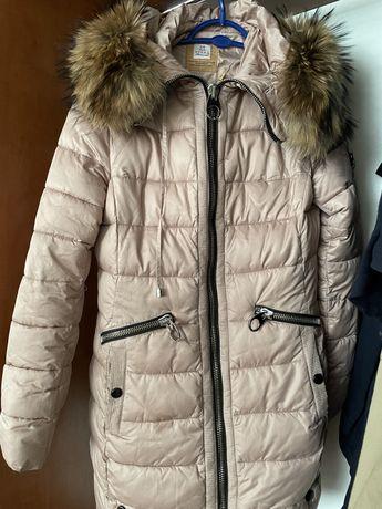 Продаю женскую оригинальную куртку