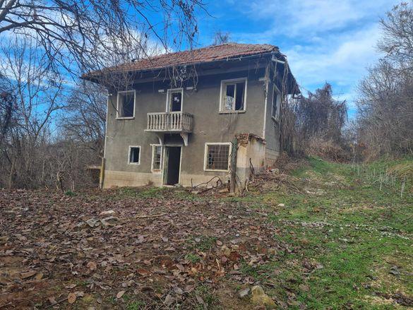 Къща с. Катунец, област Ловеч, 3 300 лв.