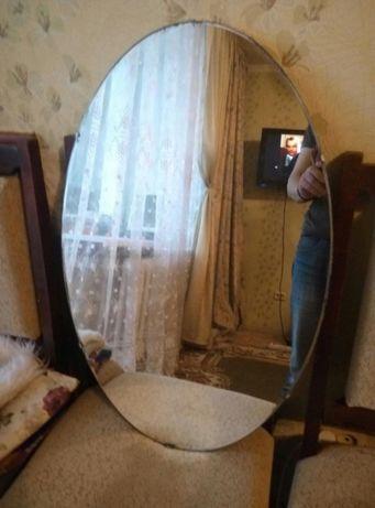 Продам зеркало овальная
