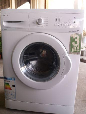 Vand Mașina de spălat Arctic și aragaz