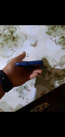 Xiaomi Rebmi 8  (64гб)
