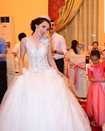 Свадебный платья продам сваровски камни