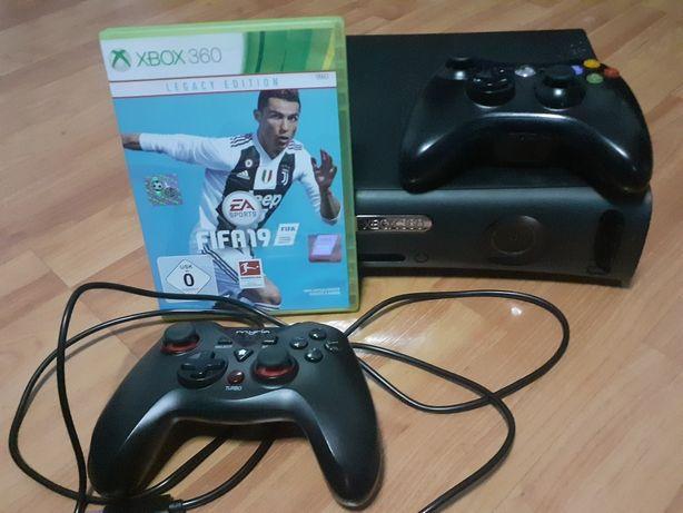 Xbox 360 cu 2 controllere ,Fifa 19 si alte jocuri
