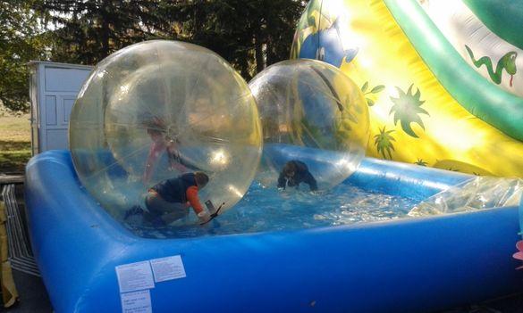 басейн за зорб топки и лодки и зорб топки