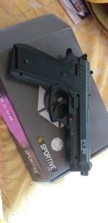 Pistol bereta full metal airsoft