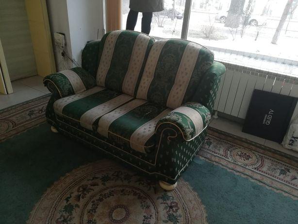 Софа на 2 места и кресло