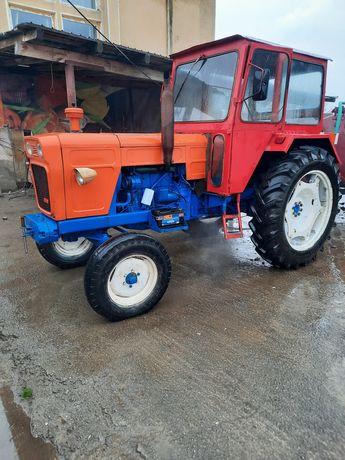 Vând tractor Fiat 70cp