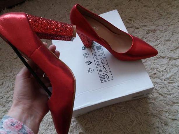 Pantofi stiletto toc patrat marime 35