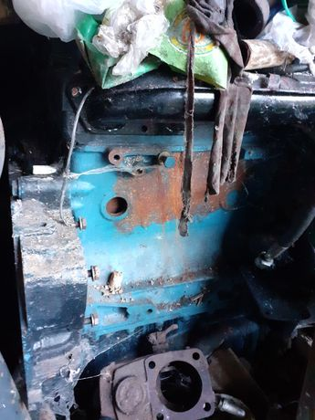 Vând motor tractor 445