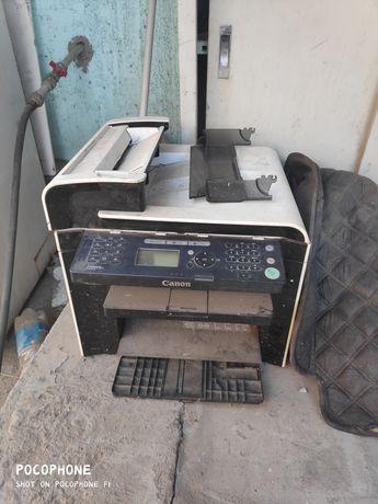 Продам принтер на  запчасти