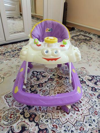 Детский столик, ходунок