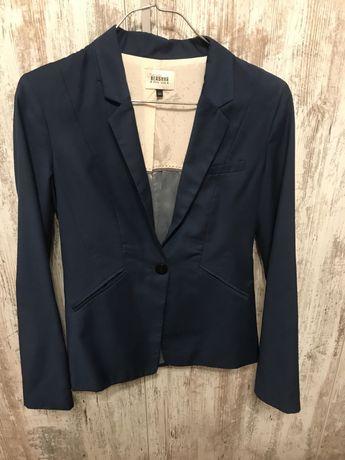 Пиджак женский Bershka 34-36 размера