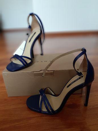 Sandale Zara din piele, noi cu eticheta, marimea 35-36