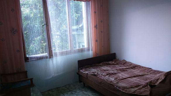 13 лв за легло на вечер на човек, до Варненски свободен университет