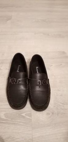 Срочно продам туфли для мальчика