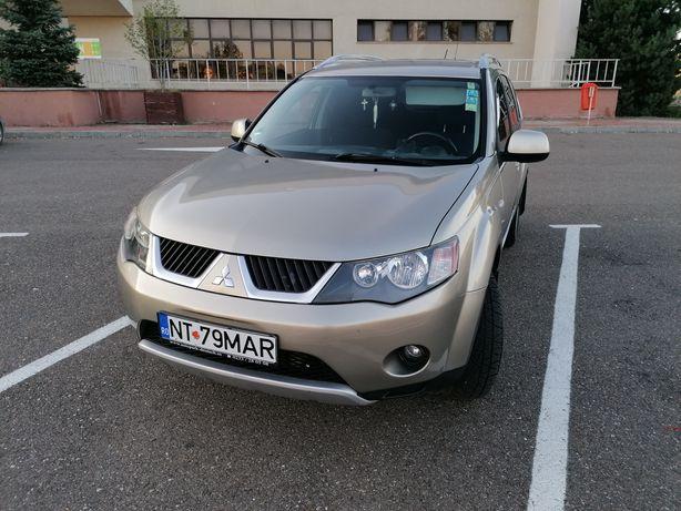 Vând Mitsubishi outlender 2008