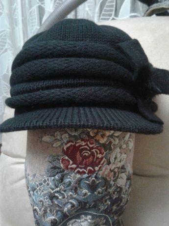 шапка с козырьком